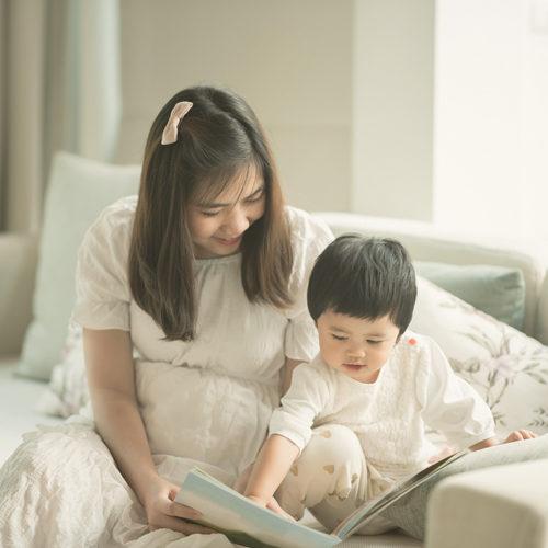 วิธีแนะนำหนังสือให้กับเด็กวัยเตาะแตะ