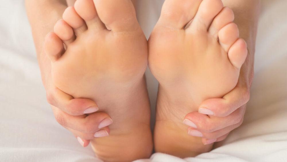 อาการตะคริวที่ขาในคนท้อง- สาเหตุและวิธีแก้ไข