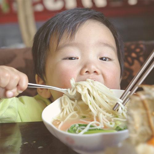 อาหารแบบไหนปลอดภัยสำหรับลูกน้อย?